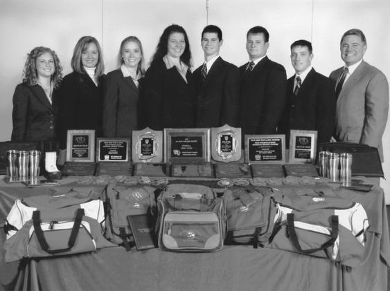 The 2007 Livestock Judging Team posing together.