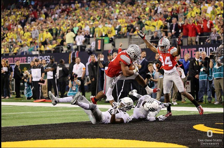 Ezekiel Elliot scores one of his four touchdowns against an overmatched Oregon defense.