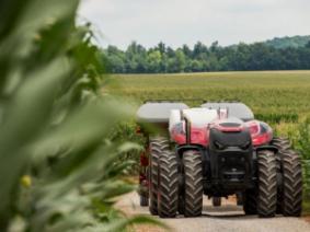 Autonomous farm equipment